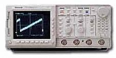 TEKTRONIX TDS644A OSCILLOSCOPE, DIGITIZING, 500 MHZ, 4 CH., 2GS/S, COLOR